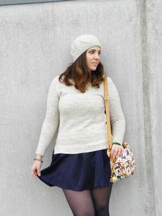 Una gonna-pantaloncino per una pizza con gli amici http://angieclausblog.com/2015/01/19/una-gonna-pantaloncino-per-una-mega-pizza-in-compagnia-di-amici/ #angieclausblog #newpost #newoutfit #fashion #fashionblogger #streetstyle #sweater #pull #vintage #berets #hm #pieroguidi #magiccyrcus #bag #skirt #gonna #blue #lafatascalza