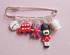 Británico joyas, regalo de la profesora de inglés, británico amante broche, pin lindos encantos, hecha a mano perno de Londres, UK amante joyas Regalo Navidad regalo