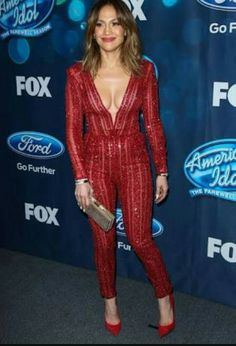 Is Jennifer Lopez really Looking half her age, J.Lo showed off her flawless figure at the 'American Idol' XV finalists event. Jennifer Lopez Diet, Sexy Outfits, Fashion Outfits, Manequin, Tall Women, American Idol, Beautiful Lingerie, Celebs, Celebrities