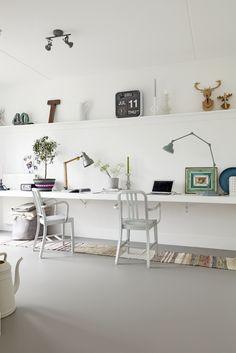 linoleum flooring home office wall Home Office Design, Home Interior Design, House Design, Design Room, Modern Interior, Interior Decorating, Decorating Ideas, Linoleum Flooring, Basement Flooring