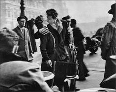 Amour nomade - mouvement foule et immobilité du couple