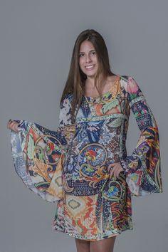 Vestido manga flare marca Vicio com tecido toque de seda!