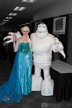#Elsa and #Marshmallow #Cosplay from #SteelCityCon #ComicCon ----- Check out more of my photography @ http://www.facebook.com/MidnightSkyPhotography (Link in Profile) ----- #MidnightSkyPhotography #MidSkyPhoto