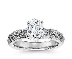 This ring with an oval cut. Dream ring!!