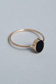 oval cabochon ring in onyx