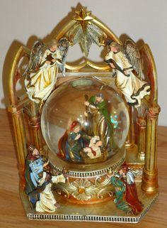 Snow Globe Musical NATIVITY Holy Family w/Angels & Wise Men w/Box ...Beautiful