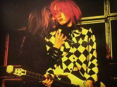 頭痛いから起きて赤い今井人形見てる 仲良しat東京ドーム  #BUCKTICK #櫻井敦司 #今井寿 #櫻井秋の手祭り #今井人形祭り