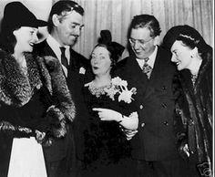 Vivien Leigh (Scarlett O'hara), Clark Gable (Rhett Butler), Margaret Mitchell (author of GWTW), Victor Fleming (director), and Olivia De Havilland (Melanie Hamilton) at the premiere of Gone With The Wind in Atlanta on December 15 1939