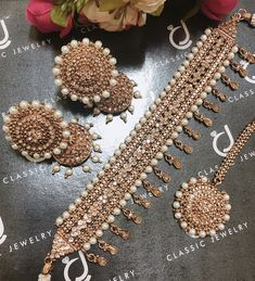 CLassic Jewelry - Home Indian Jewelry Earrings, Indian Jewelry Sets, Jewelry Design Earrings, Indian Wedding Jewelry, Wedding Jewelry Sets, Engagement Jewellery, Indian Accessories, Indian Bridal, Wedding Accessories