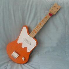 http://www.smeebsy.com/images/electric_ukulele/electricuke.JPG