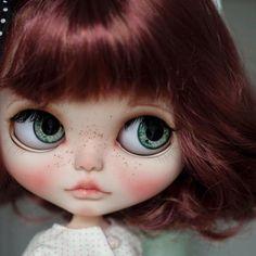 Люблю каждую куколку . . . #blythephoto #blythedoll #blytheoutfit #блайз #блайзкукла