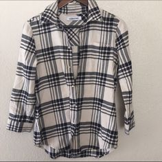 ELIZABETH AND JAMES SZ SMALL FLANNEL SHIRT As seen Elizabeth and James Tops