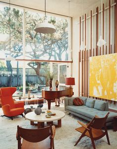 Mid Century Living Rooms Designs Ideas - Surf midcentury modern-day living room embellishing ideas and also furniture designs. Discover design motivation from a range of midcentury modern-day living rooms, . Mid-century Interior, Modern Interior Design, Interior Architecture, Modern Decor, Color Interior, 1970s Interior, Midcentury Modern Interior, Interior Ideas, 1970s Architecture
