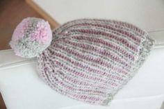 Návod jak uplést teplou dámskou čepici chytovým vzorem (brioche) Knitted Hats, Winter Hats, Beanie, Knitting, Fashion, Moda, Tricot, Fashion Styles, Breien