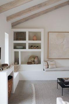 Lulu and Georgia Home Decor Inspiration, House Design, Home, Living Room Shelves, Home Remodeling, Cheap Home Decor, House Interior, Simple Living Room, Interior Design