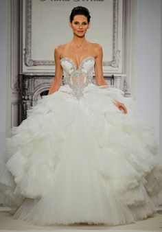 Bridal Gowns: Pnina Tornai Princess/Ball Gown Wedding Dress with Sweetheart Neckline and Natural Waist Waistline Wedding Dresses Photos, Dream Wedding Dresses, Wedding Gowns, Pnina Tornai, Princess Ball Gowns, Mod Wedding, Wedding Stuff, Dream Dress, A Boutique