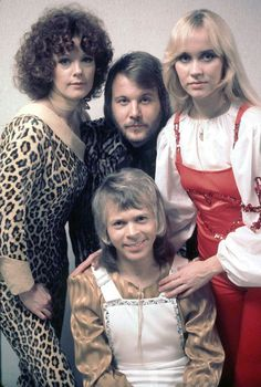 The Winner Takes it All lyrics - Abba. I dont wanna talk, About the things weve gone through, Though its hurting me, Now its history, I've played all my cards Music Like, Pop Music, Abba Sos, Frida Abba, Abba Mania, All Lyrics, Eurovision Songs, Songs To Sing, Looks Style