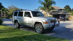 Jeep Commander with Daystar lift, spacers, stock wheels and tires. Jeep Commander, Wheels And Tires, Jeeps, Offroad, 4x4, Cars, Vehicles, Off Road, Autos