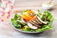 Σαλάτα με μαριναρισμένο ψητό κοτόπουλο και ντρέσινγκ