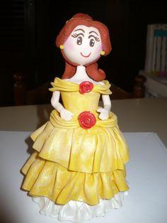 Modelado en Porcelana Fría, tope para torta de la Princesa Bella