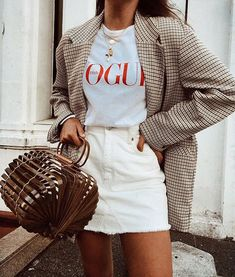 Looking for the latest street style outfits? Here are 25 street style outfits that looks stylish and fashionable in every way! Daily Fashion, Trendy Fashion, Spring Fashion, Womens Fashion, Fashion Trends, White Fashion, Fashion Tips, Style Casual, Casual Outfits