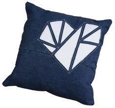 Throw Pillows, Bed, Coat Storage, Toss Pillows, Cushions, Stream Bed, Decorative Pillows, Beds, Decor Pillows