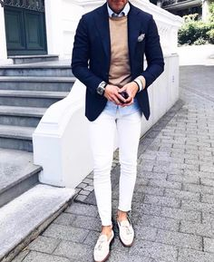 The Best Blazers For Men And How To Wear Them In Style Click image to see more. White Pants Outfit, Blazer Outfits Men, Men Blazer, Blue Blazer Outfit Men, Blazer Jacket, Dress Pants, White Dress, Mens Fashion Suits, Fashion Pants