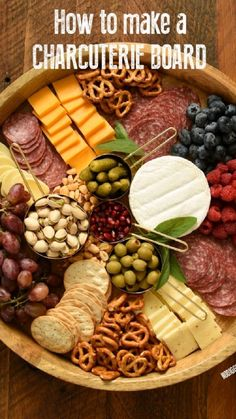 Charcuterie Recipes, Charcuterie Platter, Charcuterie And Cheese Board, Cheese Boards, Crudite Platter Ideas, Grazing Platter Ideas, Cheese Board Display, Snack Platter, Meat Platter