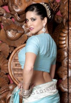 5 Unknown Things You Should Know About Sunny Leone / Gossip / Stillgalaxy