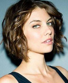 Fantastic Wavy Bob Hairstyles SloDive Hair Stuff - Hairstyle for curly short hair round face