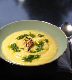 σούπα κουνουπίδι απ΄ την αυλή του Λουδοβίκου ΙΔ΄ Thai Red Curry, Pesto, Recipies, Ethnic Recipes, Soups, Drink, Food, Recipes, Beverage