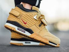 Nike Air Trainer Cruz Premium: Haystack