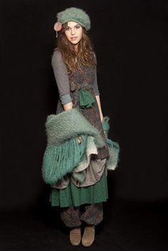 Moda España >> Firma del mes >> Ian Mosh: el romanticismo se hace moda