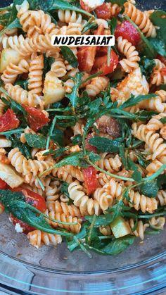 Food C, Diy Food, Weith Watchers, Easy Pasta Salad Recipe, Healthy Snacks, Healthy Recipes, Sports Food, Fast Dinners, Food Goals
