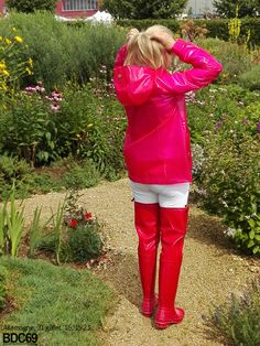 Red thigh waders