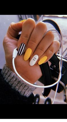 Office nails Miladies net is part of Grey Yellow nails Tips - Office nails Miladies net Summer Acrylic Nails, Best Acrylic Nails, Summer Nails, Acrylic Nails With Design, Nail Ideas For Summer, Acrylic Nail Designs For Summer, Acrylic Nails Yellow, Yellow Nails Design, Acrylic Nail Art