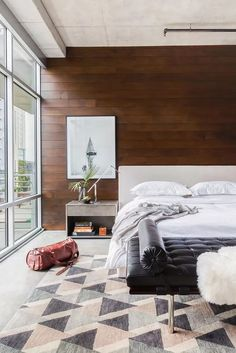 Have an awkward bedroom layout and it seems that no matter how you organize your furniture, something still feels off? Here are 8 genius solutions that can help you structure your bedroom so that it feels and looks better.