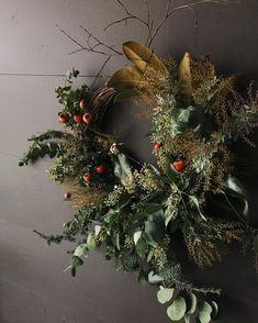 need a wreath like this Christmas Time, Christmas Crafts, Christmas Decorations, Holiday Decor, Dried Flower Wreaths, Dried Flowers, L Eucalyptus, Holiday Wreaths, Christmas Inspiration