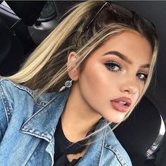 9 Essential Makeup Tricks for Looking Flawless on Camera These beauty tips will have you looking gorgeous & no filter required The post 9 Essential Makeup Tricks for Looking Flawless on Camera appeared first on Fashion and Style. Makeup Goals, Makeup Inspo, Makeup Inspiration, Beauty Make Up, Hair Beauty, Sophia Mitchell, Makeup Tricks, Makeup Essentials, Looking Gorgeous