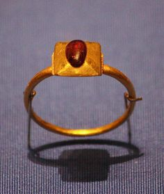 Gold & Ruby Ring, c.1200-1300 - British Museum by noriko.stardust, via Flickr