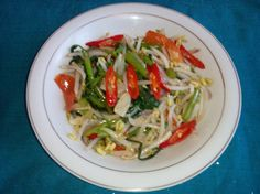 sauteed kale with bean sprouts (Aceh : Tumis oen rumpuen ngen toge)