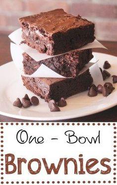 The easiest yummiest brownies ever!! #brownies #easyrecipes #onebowlbrownies