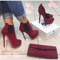 Women's Fashion High Heels : Heels or Boots? Heeled Boots, Bootie Boots, Shoe Boots, Ankle Boots, Cute Shoes, Me Too Shoes, Fab Shoes, Shoes Style, Pumps Heels