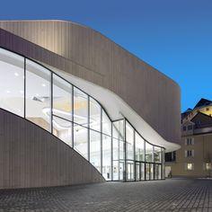 Montforthaus von Hascher Jehle / Kalkstein-Wellen in Feldkirch - Architektur und Architekten - News / Meldungen / Nachrichten - BauNetz.de