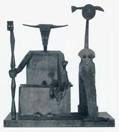 Max Ernst ~ Steenbok ~ 1948-1964 ~ Brons ~ 240 x 205 x 130 ~ Verwoest ~ Fragment: privécollectie