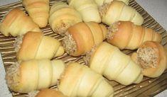 Домашни фунийки с крем - Рецепта. Как да приготвим Домашни фунийки с крем. Кликни тук, за да видиш пълната рецепта.