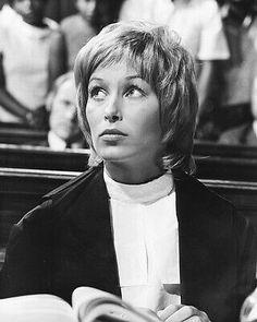 Prunella Gee (geb.1950) Hammer Films, English Actresses, Top, Crop Shirt, Shirts