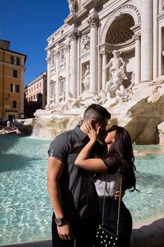 Kissing at the Trevi fountain. Couple photoshoot in Rome Italy. Image by the Andrea Matone photography studio. Rome Photography, Couple Photography Poses, Travel Photography, Friend Photography, Maternity Photography, Rome Outfits, Cute Couple Pictures, Couple Photos, Italy Pictures