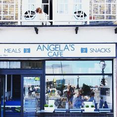 Angela's Cafe for noms in Margate Kent.. Complete with windswept pooch.