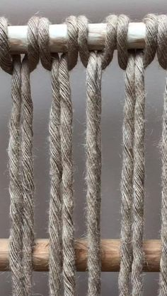 Macrame Wall Hanging Diy, Macrame Art, Macrame Projects, Macrame Knots, Diy Crafts For Adults, Rope Crafts, Macrame Design, Macrame Patterns, Plant Hanger
